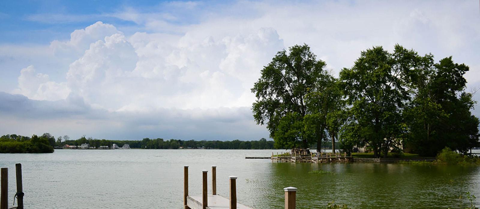 Buckeye Lake Communities - lakefront homes