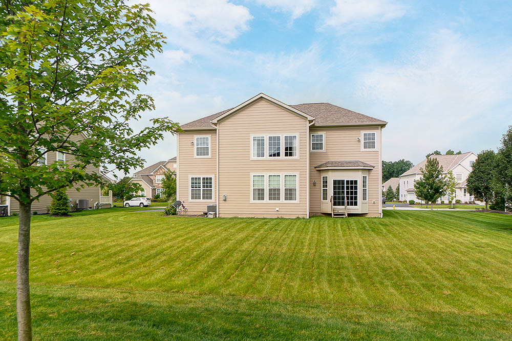 1240-Stone-Trail-Dr-Blacklick-OH-35