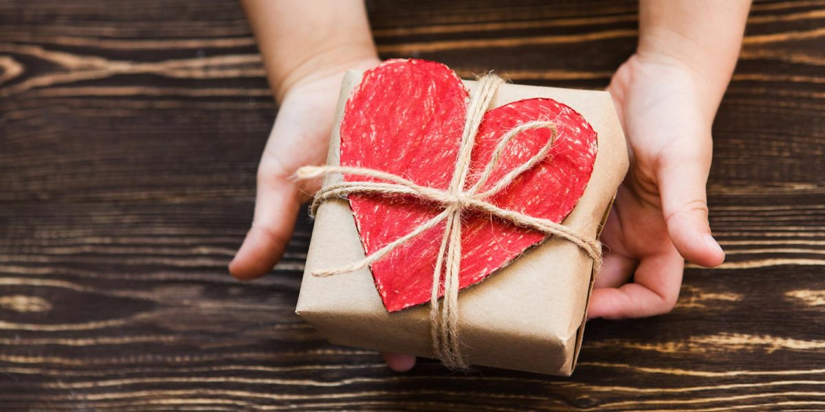 Downsize With a Heart This Holiday Season