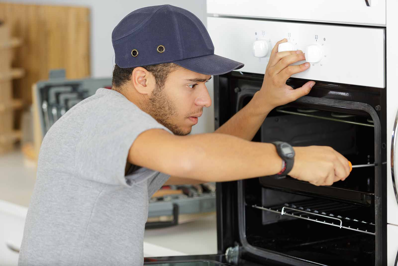 Fixing an oven under home warranty coverage
